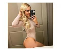 sexy toned blondeee